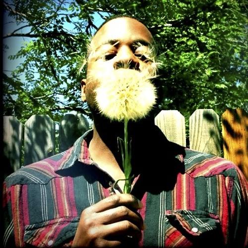 Hear a new Ghostnaut track, 'Mozambique (Feat. Raashan Ahmad )' - rap hip hop music